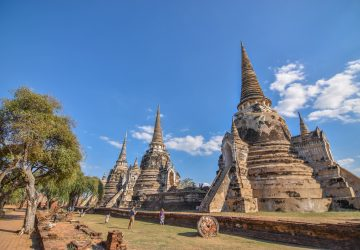 Walking into Mysterious Ayutthaya | Attractions, Stories and ways to Arrive